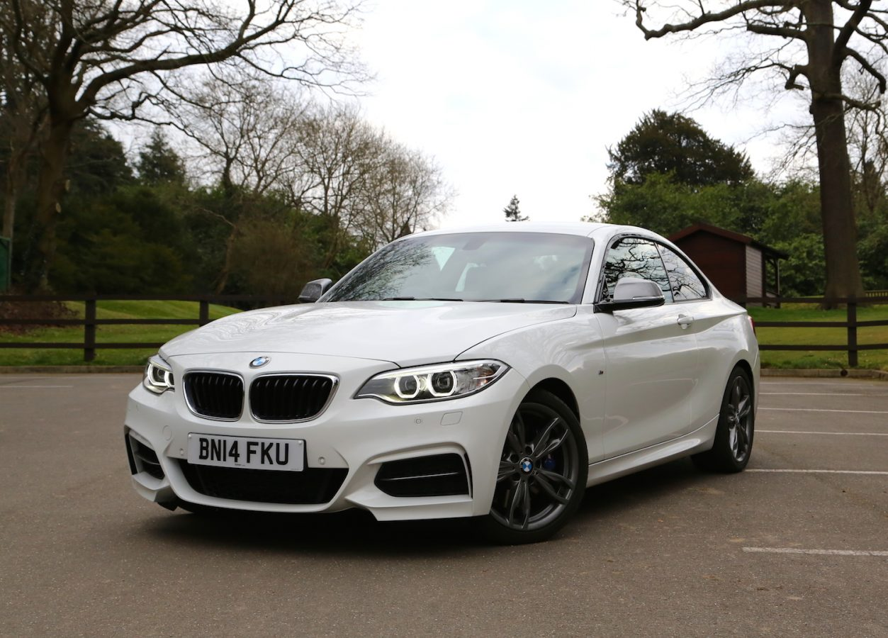 The M235i's face