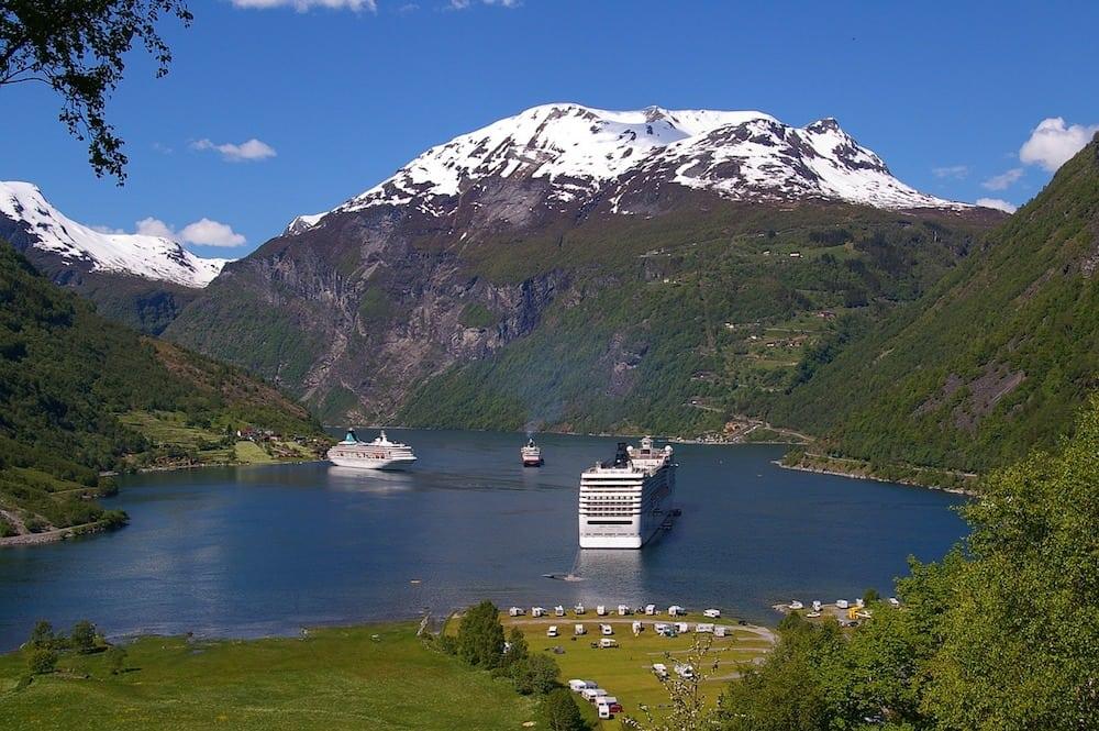 fjord-940525_1280
