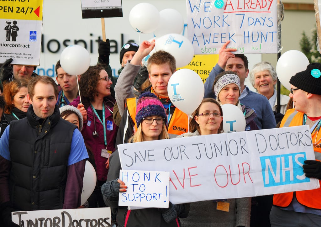 Junior doctors suspend five day strike planned for September
