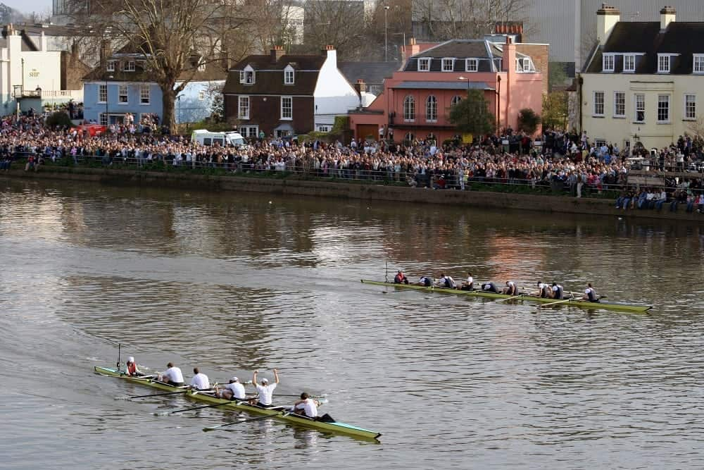 Unexploded Second World War bomb found in Thames ahead of Boat Race