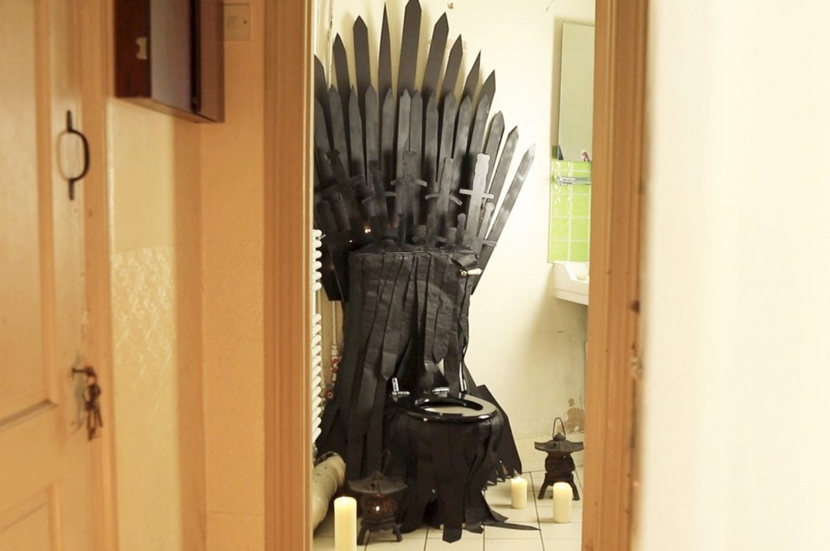 Game Of Thrones Nut Transforms His Toilet Into An Iron Throne