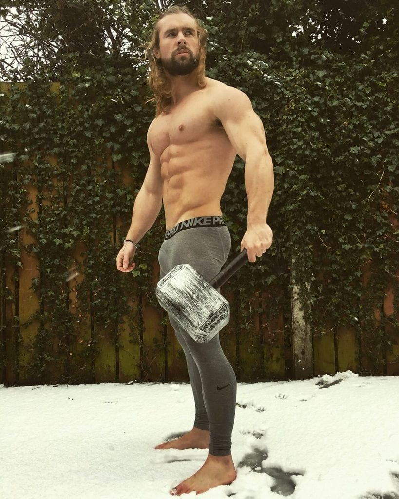 Super-buff personal trainer defies cystic fibrosis odds to ...  Super-buff pers...