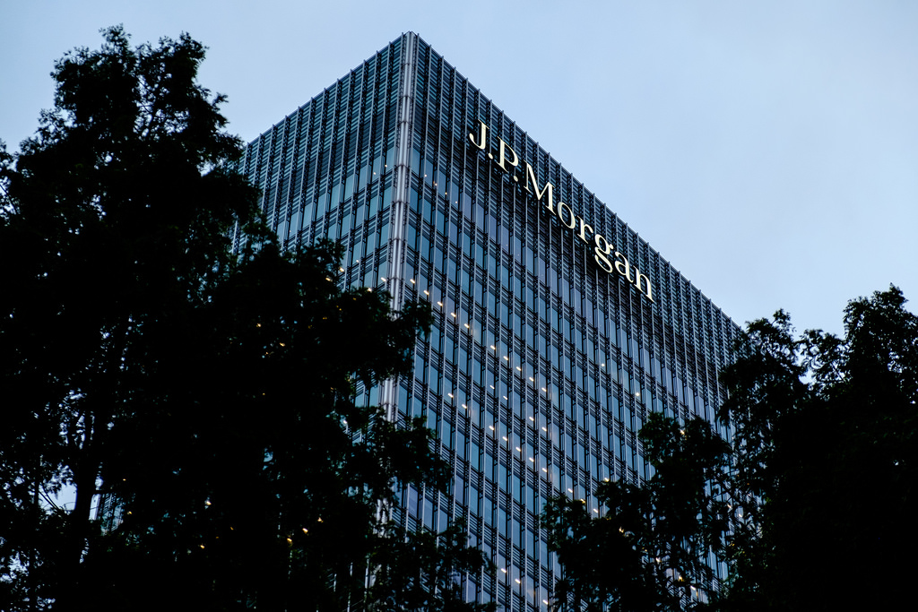 JP Morgan asks staff to confirm they'll leave the UK in the event of