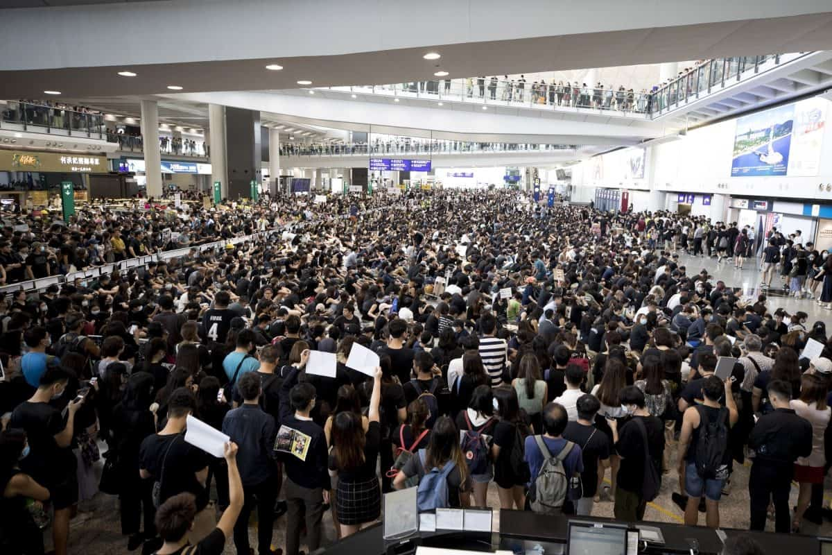 Flights cancelled in Hong Kong over protests