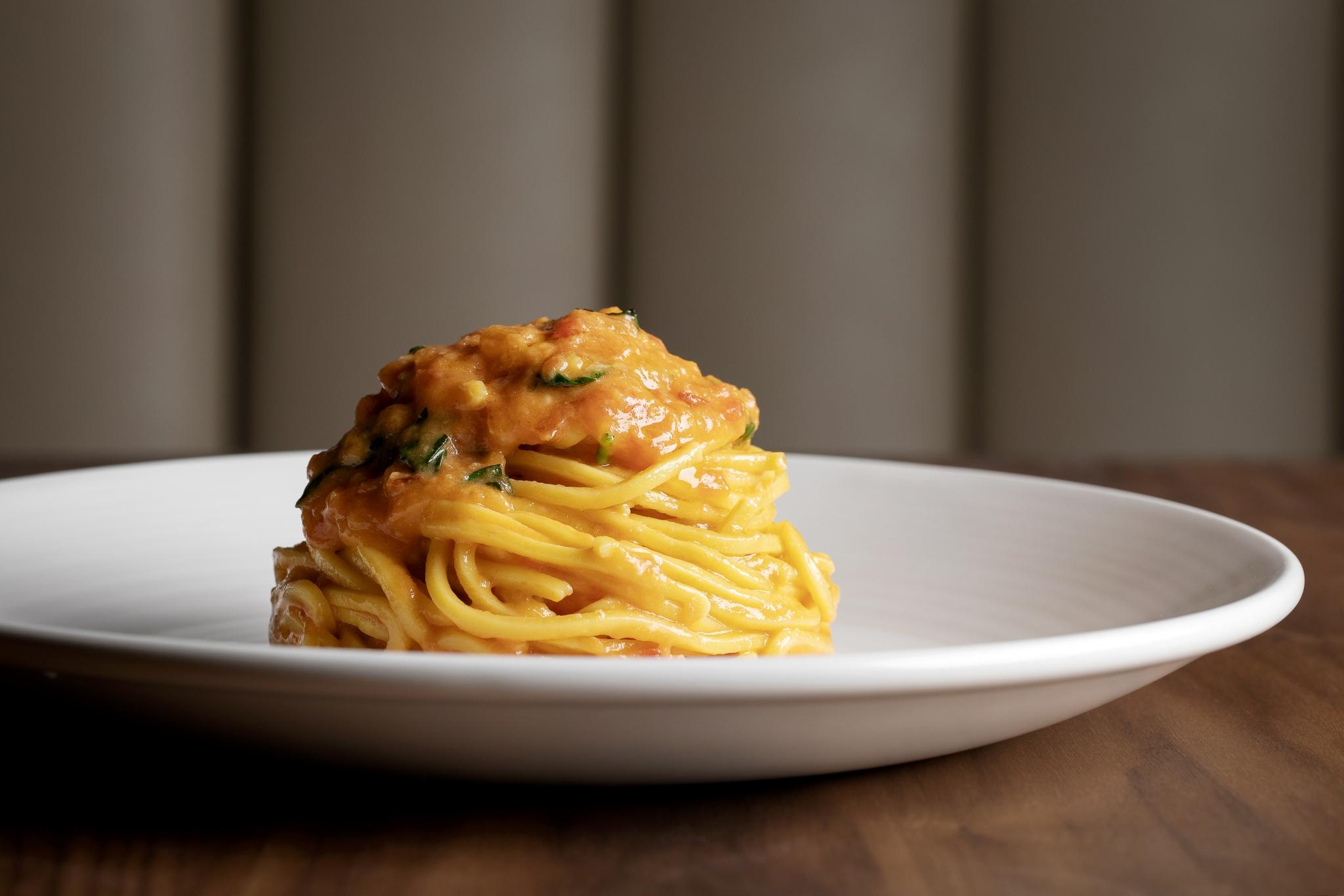 Sette tomato and basil spaghetti